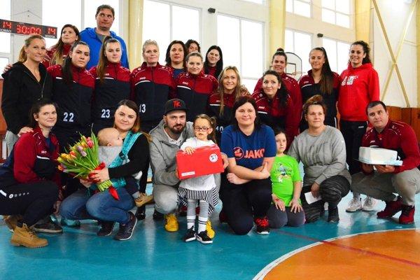 Seredské hádzanárky zorganizovali tretí ročník veľkej benefičnej akcie.