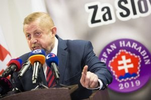 Na snímke prezidentský kandidát Štefan Harabin počas predstavenia loga, sloganu a programu v Bratislave 28. januára 2019.