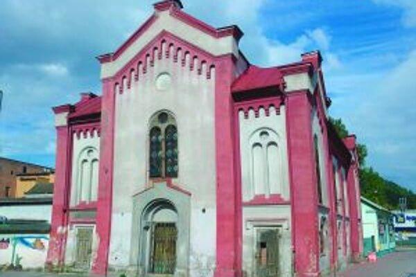 Ružomberská synagóga je v dezolátnom stave.