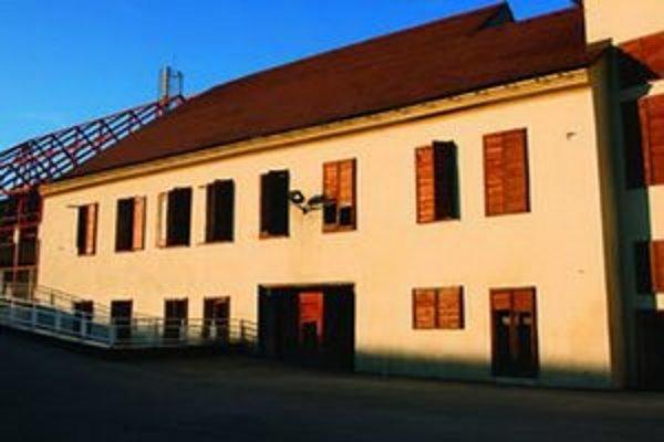Historicky cenná budova niekoľko rokov chátra.