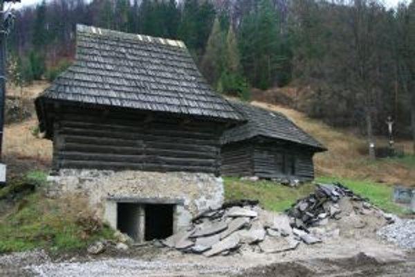O poslednú veľkú opravu sýpok sa zaslúžili dreveničiari na začiatku 80. rokov minulého storočia.