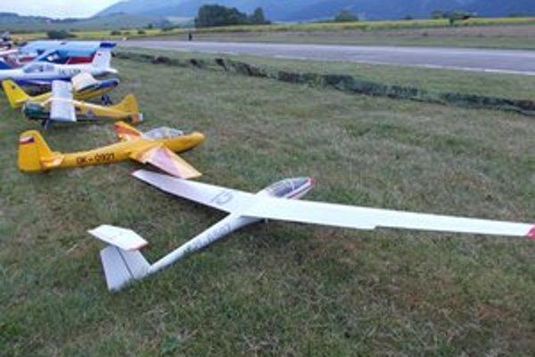 Modely sú najčastejšie  poháňané benzínovým motorom, ale v poslednom období sa objavujú už aj lietadlá s turbínovým pohonom.