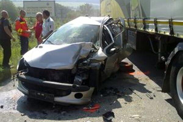 Nehoda pri Považskej Teplej.