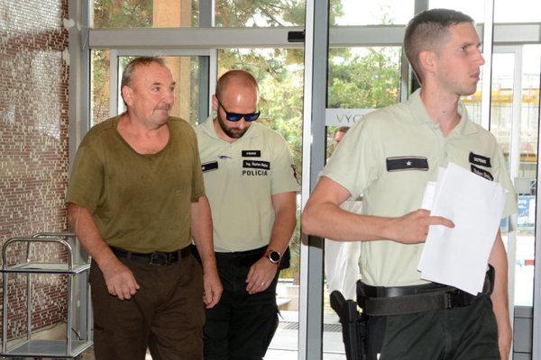 Ladislav na súde pri rozhodovaní o väzbe.