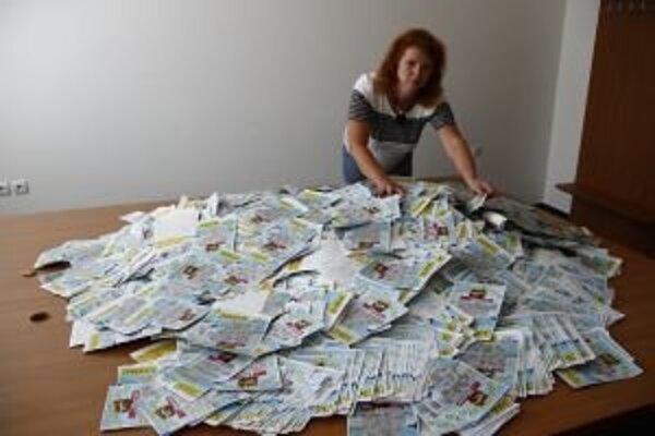 Do súťaže Bohaté leto s MY sa zapojilo množstvo čitateľov. Výhercu žrebovala divízna šéfredaktorka Jana Paulovská.