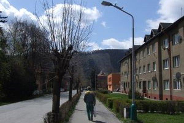Mesto plánuje zmodernizovať osvetlenie aj na Hradnej ulici.