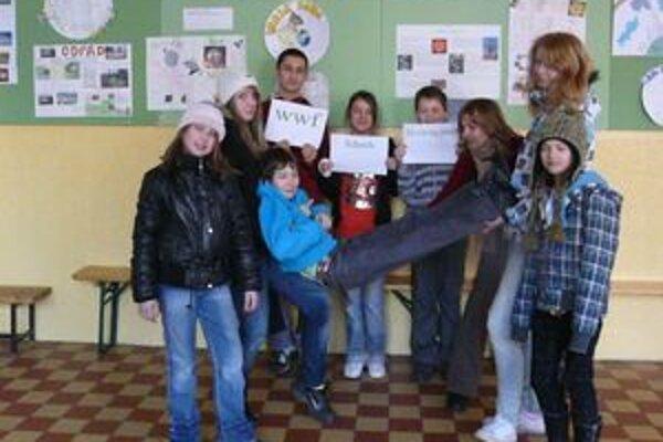 Členovia akčnej environmentálnej jednotky Atech sa prihlásili aj do medzinárodného projektu WWF-Schools for a living planet.
