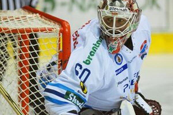 Brankár Karol Križan odohrá sezónu vo švédskehom klube.