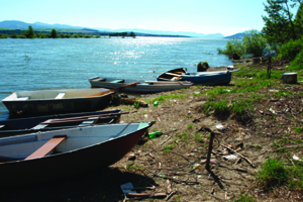 Pri Liptovskej Mare sa hromadia odpadky.