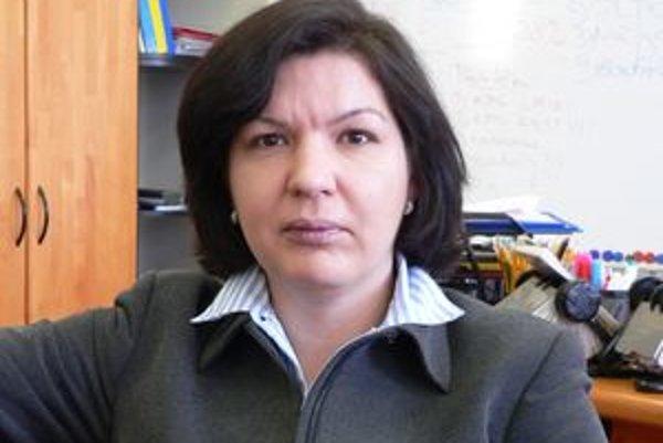 Jana Gemzová potvrdila, že v súvislosti so zvyšujúcou sa práceneschopnosťou Sociálna poisťovňa podniká kroky na posúdenie opodstatnenosti trvania dočasnej práceneschopnosti či prípadnú invalidizáciu klientov.