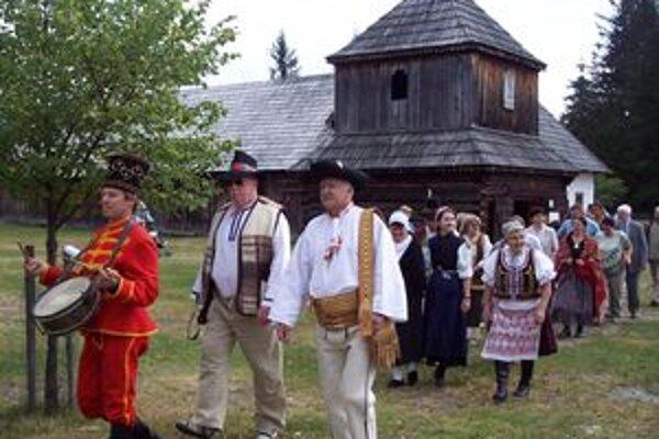 Tematické nedele v Múzeu liptovskej dediny v Pribyline lákajú niekoľkokrát do roka domácich aj zahraničných návštevníkov. Najbližšia nedeľa bude v znamení ovčiarstva.