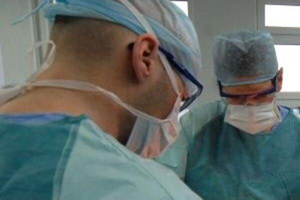 Špičkové výkony v ružomberskej vojenskej nemocnici si štatút fakultnej nemocnice zaslúžia.