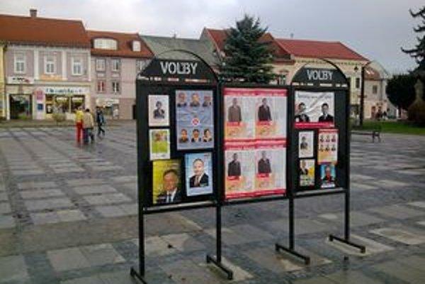 Volebná kampaň je v plnom prúde aj v uliciach Liptovského Mikuláša.