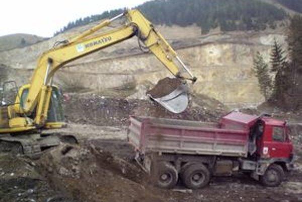 Technické služby majú na starosti aj prevádzku skládky tuhého komunálneho odpadu Biela Púť.