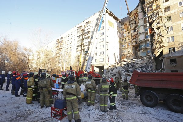 Desaťposchodový dom bol postavený technológiou využívanou pri výstavbe päťposchodových budov.