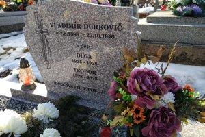 Hrob Vladimíra Ďurkoviča na cintoríne vo Veľkom Folkmare.