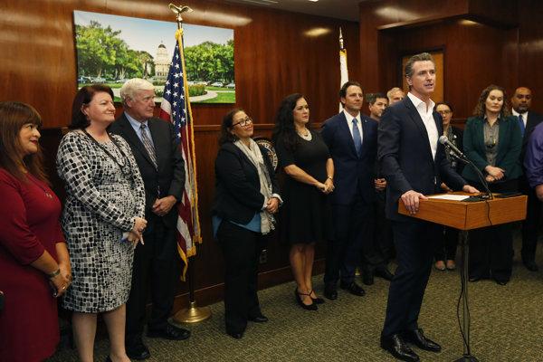 Guvernér amerického štátu Kalifornia Gavin Newsom.