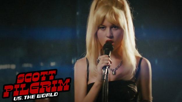 Brie Larson vo filme aj spievala.