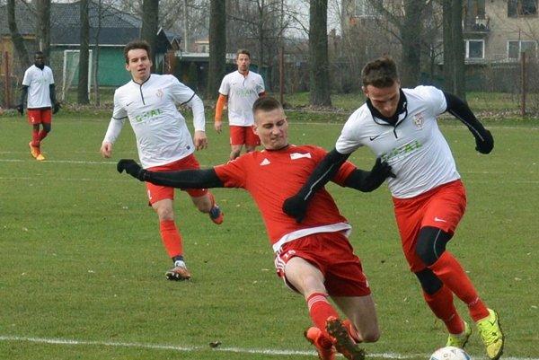Sereď porazila Neded 4:0. Vpravo s loptou Patrik Abrahám, posila z FK Pohronie.