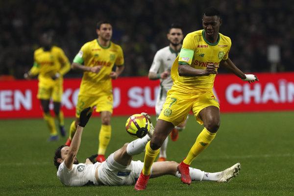 Kalifa Coulibaly (vpravo) z FC Nantes - ilustračná fotografia.