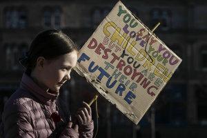 Britskej vláde sa protesty študentov nepáčia.