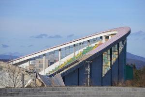 Práce na rekonštrukcii štadióna sú v súčasnosti zastavené. Potrebné je opraviť projektovú dokumentáciu.