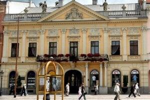 Historická radnica na Hlavnej ulici.