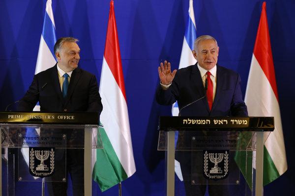 Maďarský premiér Viktor Orbán s izraelským kolegom Benjaminom Netanjahuom počas návštevy Izraela.