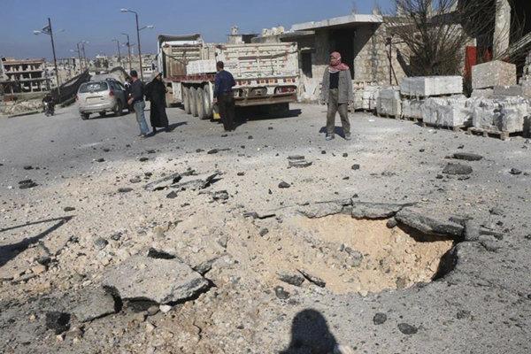 Rozbitá ulica v syrskom Idlibe.
