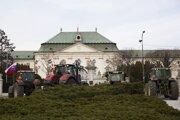Protestujúci farmári v Bratislave.