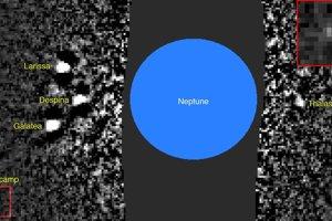 Záber, na ktorom mesiac Hippocamp prvýkrát objavili. Mesiac je zvýraznený a zväčšený v červenom štvorci.