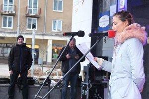 Usporiadateľka protestných zhromaždení Za slušné Slovensko v Žiari nad Hronom Michaela Čillíková.