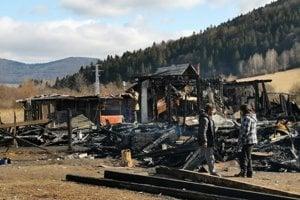 Mníšek nad Hnilcom - spálenisko po požiari.