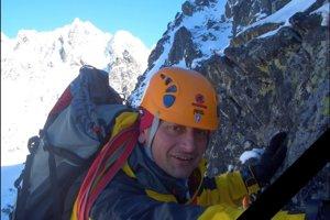 Záchranár Roman (48) zahynul po páde lavíny.