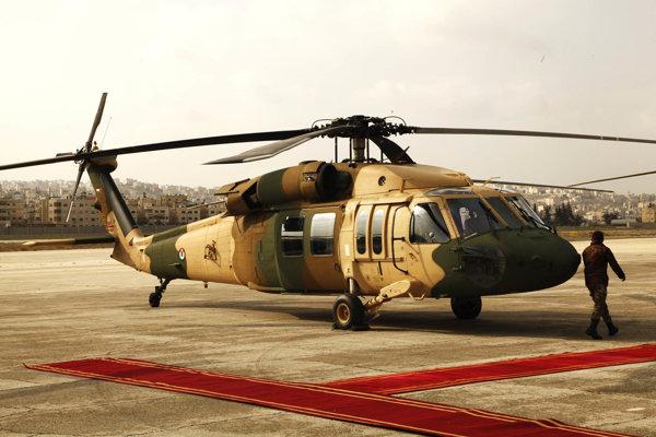 Jeden z ôsmich zrenovovaných vrtuľníkov, ktoré USA odovzdali jordánskym leteckým sílám.