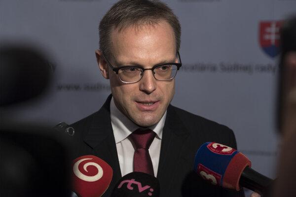 Právnik Európskeho súdu pre ľudské práva v Štrasburgu Michal Kučera bol štvrtým kandidátom Slovenska na post dodatočného sudcu Všeobecného súdu EÚ v Luxemburgu.