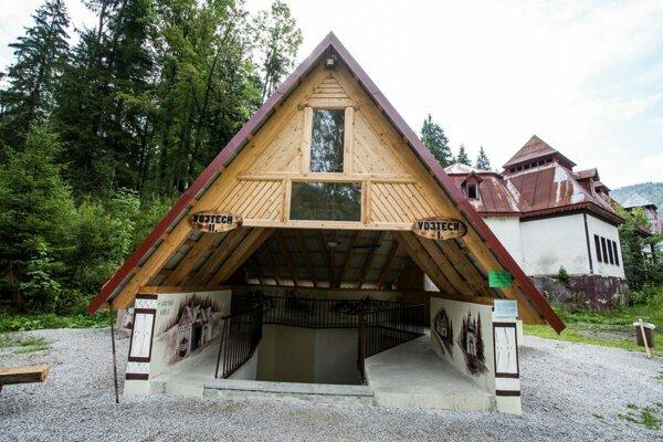 Minerálny liečivý prameň Vojtech v priestorochKúpeľov Korytnice.