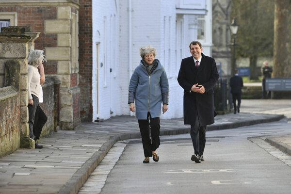 Britská premiérka Theresa Mayová počas návštevy Salisbury.