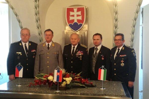 V Galante sa stretli najvyšší predstavitelia hasičov.