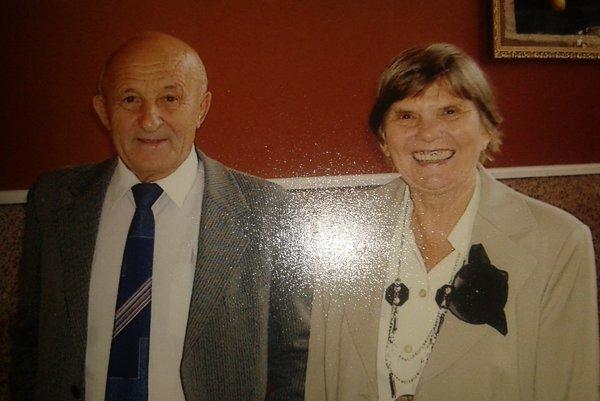 Jozef a jeho manželka Lýdia. Opustila ho pred dvoma rokmi na ťažký zápal pľúc.
