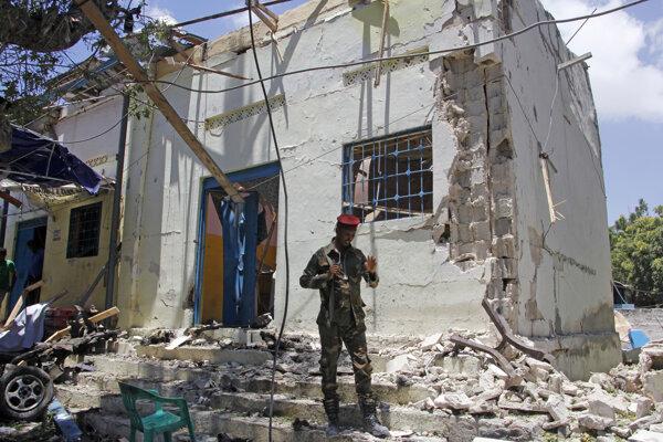 Miesto explózie v Mogadiše.