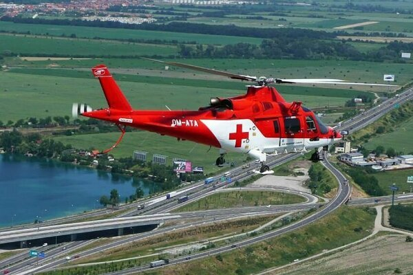 0fdbe79932f Vrtuľník zachraňoval postrelenú ženu