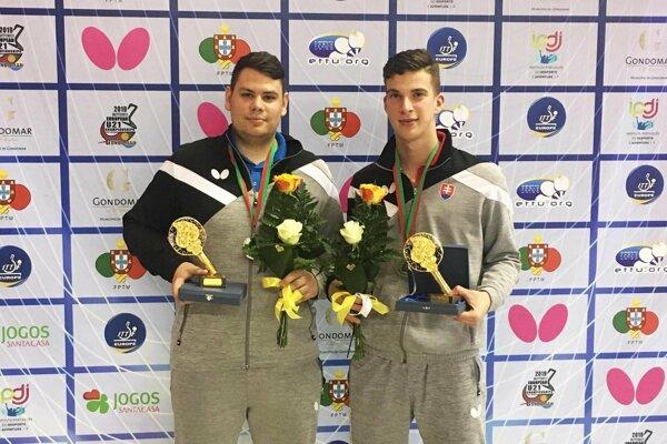 Zľava Adam Brat a Tibor Špánik, strieborní medailisti z ME do 21 rokov.