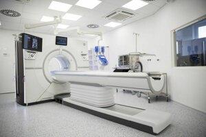CT prístroj najvyššej piatej kategórie na Rádiologickom oddelení v Národnom onkologickom ústave v Bratislave.