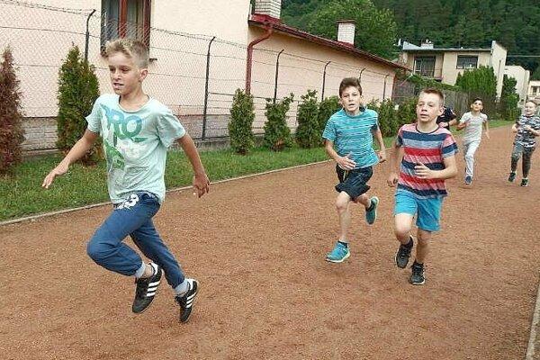 športová súťaž v ZŠ Komenského Púchov.
