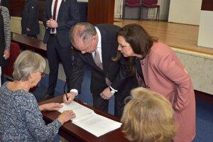 Dosluhujúci prezident Andrej Kiska odvolil spolu s manželkou v rodnom Poprade.