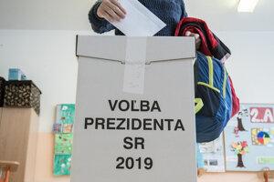 Momentky z volieb.