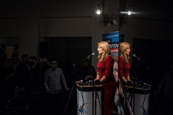 Zuzana Čaputová pri poslednom vystúpení počas volebnej noci.
