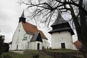 Zvonica pri Kostole sv. Mikuláša v Sliači.