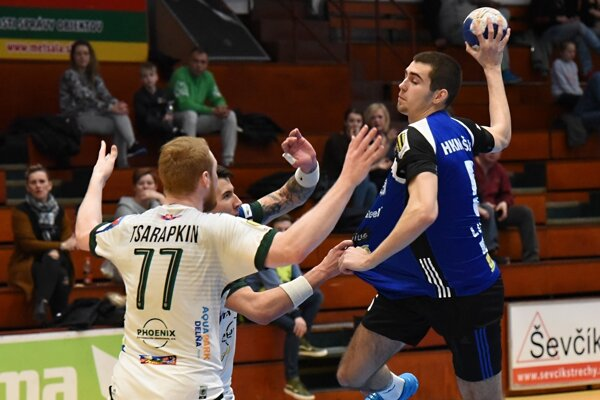 Hádzanári Šale dnes proti silnému Prešovu nemali šancu na úspech.